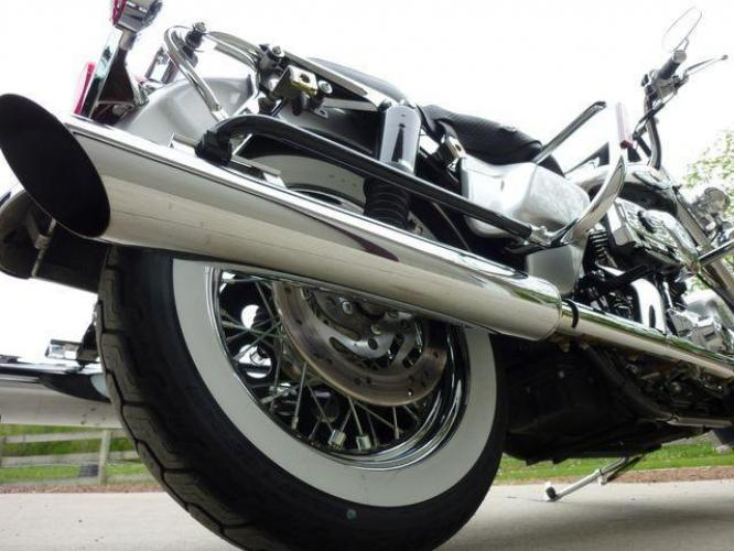 2003 Silver Other FLHRCI Road King 100th Anniversary Edition with an V2 engine, 5 Spd Manual transmission, located at 2510 47th St. Suite 200, Boulder, CO, 80301, (303) 641-0333, 40.026196, -105.243217 - Photo #11