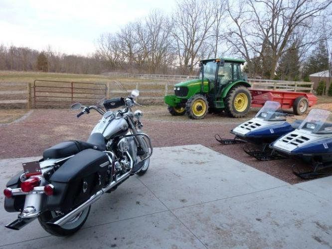 2003 Silver Other FLHRCI Road King 100th Anniversary Edition with an V2 engine, 5 Spd Manual transmission, located at 2510 47th St. Suite 200, Boulder, CO, 80301, (303) 641-0333, 40.026196, -105.243217 - Photo #1
