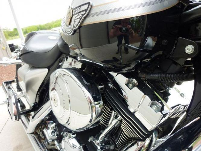 2003 Silver Other FLHRCI Road King 100th Anniversary Edition with an V2 engine, 5 Spd Manual transmission, located at 2510 47th St. Suite 200, Boulder, CO, 80301, (303) 641-0333, 40.026196, -105.243217 - Photo #27