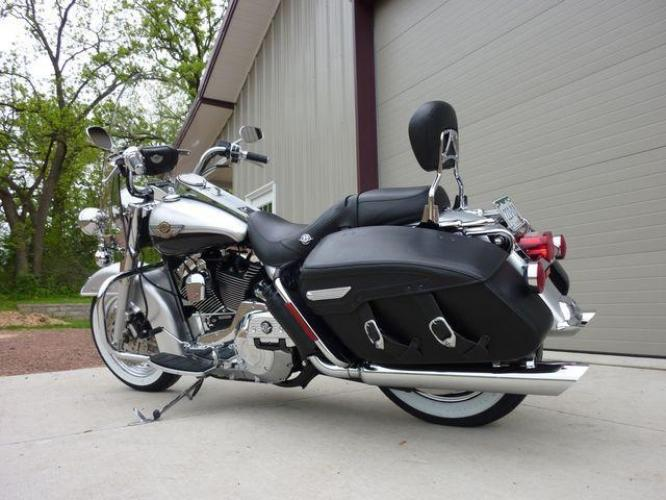 2003 Silver Other FLHRCI Road King 100th Anniversary Edition with an V2 engine, 5 Spd Manual transmission, located at 2510 47th St. Suite 200, Boulder, CO, 80301, (303) 641-0333, 40.026196, -105.243217 - Photo #50