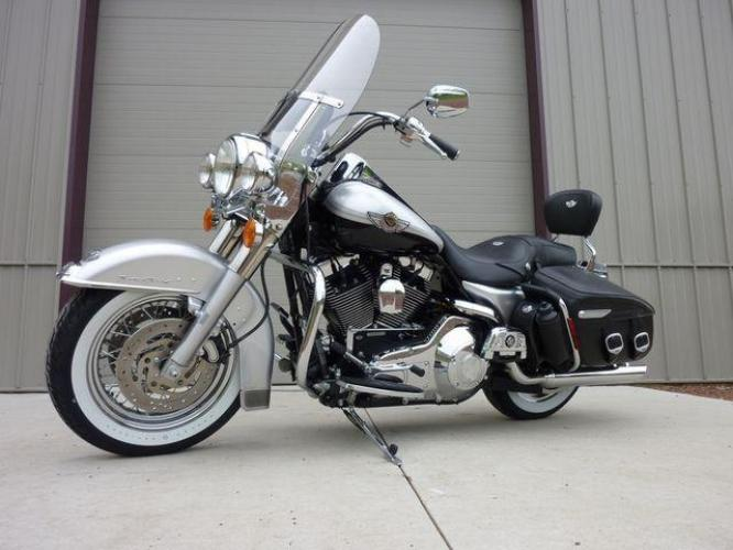 2003 Silver Other FLHRCI Road King 100th Anniversary Edition with an V2 engine, 5 Spd Manual transmission, located at 2510 47th St. Suite 200, Boulder, CO, 80301, (303) 641-0333, 40.026196, -105.243217 - Photo #51