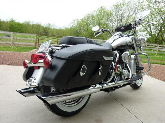 2003 Silver Other FLHRCI Road King 100th Anniversary Edition with an V2 engine, 5 Spd Manual transmission, located at 2510 47th St. Suite 200, Boulder, CO, 80301, (303) 641-0333, 40.026196, -105.243217 - Photo #55