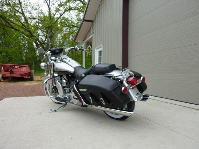 2003 Silver Other FLHRCI Road King 100th Anniversary Edition with an V2 engine, 5 Spd Manual transmission, located at 2510 47th St. Suite 200, Boulder, CO, 80301, (303) 641-0333, 40.026196, -105.243217 - Photo #57