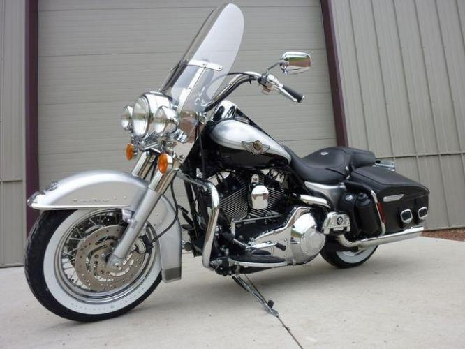 2003 Silver Other FLHRCI Road King 100th Anniversary Edition with an V2 engine, 5 Spd Manual transmission, located at 2510 47th St. Suite 200, Boulder, CO, 80301, (303) 641-0333, 40.026196, -105.243217 - Photo #58